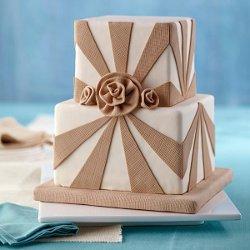 Burlap-and-Roses-Fondant-Cake