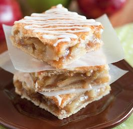 Apple Pie Bars with Vanilla Glaze