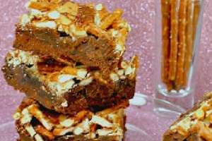 Gooey Chewy Cake Mix Pretzel Bars