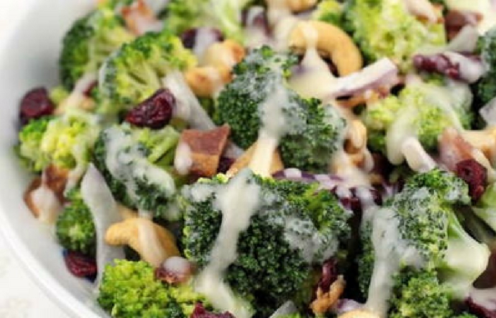 Sweet Tomatoes' Copycat Broccoli Madness Salad