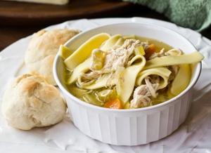 Copycat Bob Evans Chicken and Noodles Soup