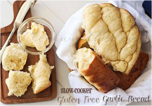 Slow Cooker Garlic Bread