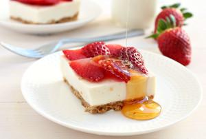 Strawberry-Cheesecake-Bars