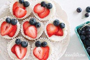 100-calorie-greek-yogurt-cupcakes