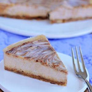 No Bake Cinnamon Swirl Cheesecake