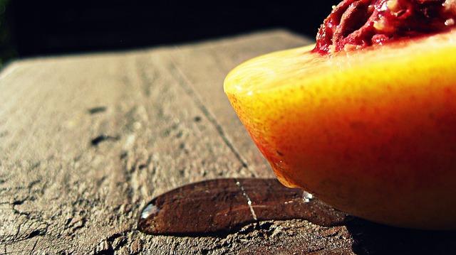 peach-437680_640