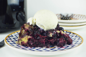 Slow Cooker Mixed Berry Cobbler