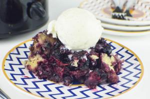 Slow Cooker Mixed Berry Cobbler