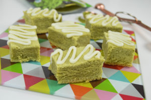 Green Tea Latte Bars with Cream Cheese Drizzle | Revamperate