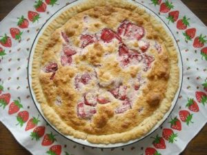 Old-Fashioned Strawberry Sponge Pie