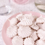 Cinnamon Meringue Cookies | Club Crafted
