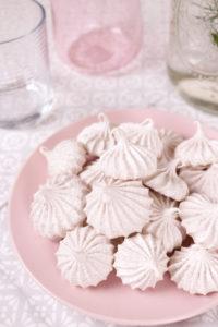 Cinnamon Meringue Cookies | Club Crafted